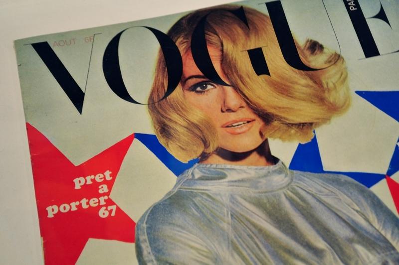GUY BOURDIN for Vogue Paris - August 1966 - Cover - Installationsansicht aus der Ausstellung im Haus der Photographie / Deichtorhallen Hamburg - 1.11.2013 - 26.1.2014