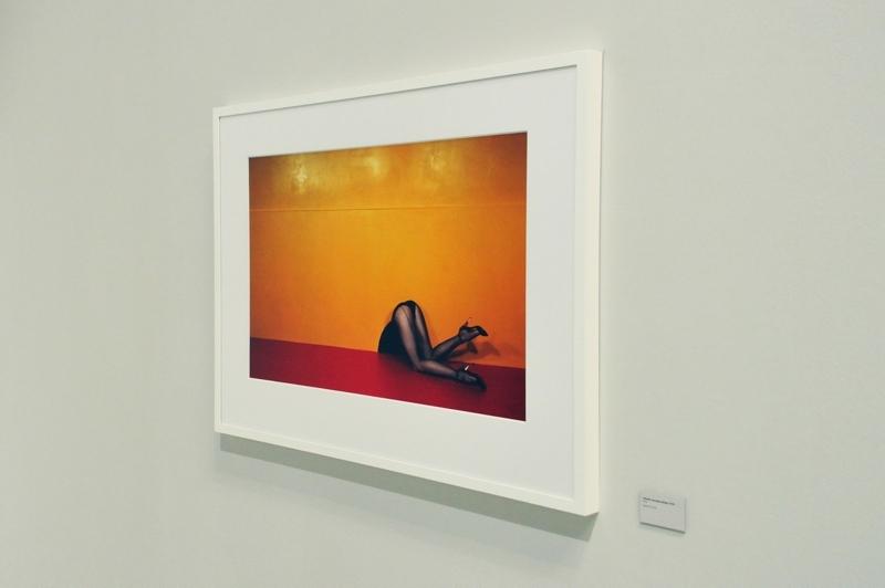 GUY BOURDIN - Charles Jourdan Motiv - Herbst 1979 - Installationsansicht aus der Ausstellung im Haus der Photographie / Deichtorhallen Hamburg, 1.11.2013 - 26.1.2014 - Kurator Ingo Taubhorn